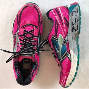 Brooks Adrenaline GTS 13 Running Shoes Hot Pink